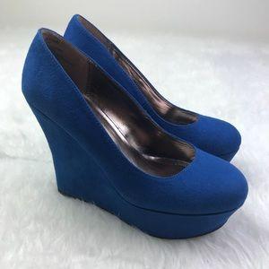 EUC Madden Girl Platform Wedge Heel Blue Suede